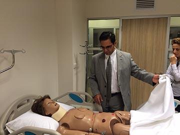 Yunanistan'dan Prof. Dr. Dimitris Theofinidis Hemşirelik Bölümünü ziyaret etti