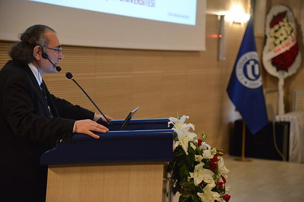 Uşak Üniversitesi'nde yeni akademik yılın ilk dersini Prof. Dr. Nevzat Tarhan verdi…
