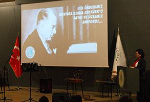 Mustafa Kemal Atatürk Üsküdar Üniversitesi'nde sevdiği türkülerle anıldı 2