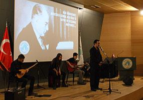 Mustafa Kemal Atatürk Üsküdar Üniversitesi'nde sevdiği türkülerle anıldı 3