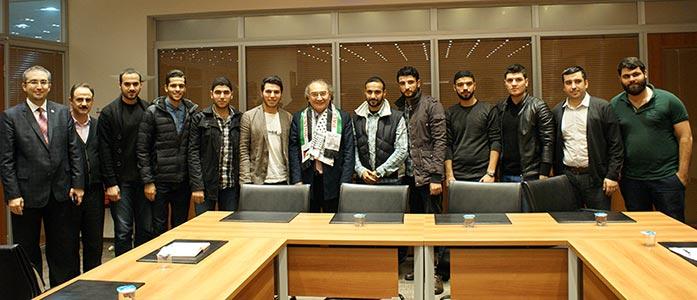 Rektör Prof. Dr. Nevzat Tarhan Yabancı Uyruklu Öğrencileriyle buluştu. 4