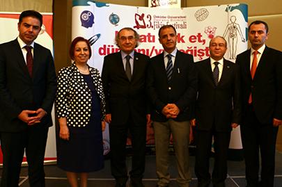 Üsküdar Üniversitesi akademisyenleri okullarda öğrencilerle buluşacak 2