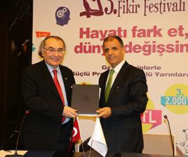 Üsküdar Üniversitesi, genç fikirleri buluşturacak 3