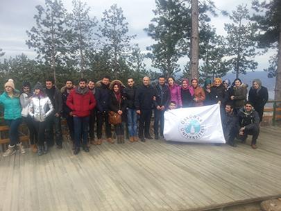 Üsküdar Üniversitesi öğrencileri, dönemin yorgunluğunu Kartepe ve Sapanca'da attı 2