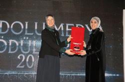 """Doç.Dr. Merve Kavakçı'ya """"Yılın Köşe Yazarı Ödülü"""" 3"""