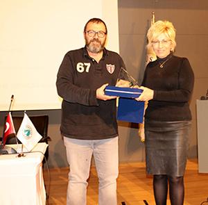 Gazeteci Özay Şendir, Üsküdar Üniversitesi'nde gençlerle buluştu