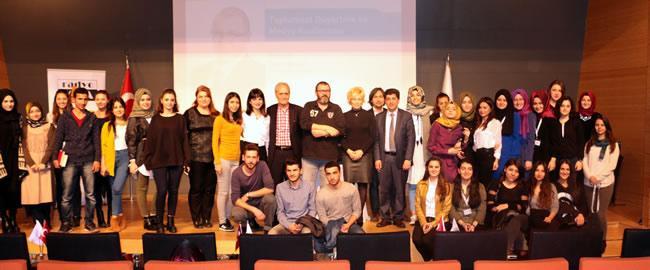 Gazeteci Özay Şendir, Üsküdar Üniversitesi'nde gençlerle buluştu 3