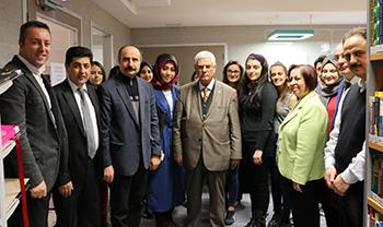 Prof. Dr. Yümni Sezen, kitaplarını Üsküdar Üniversitesi'ne bağışladı 3