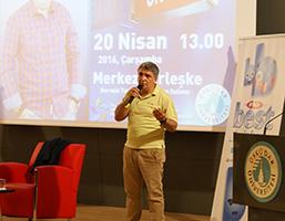 Radyocu Cem Arslan, Üsküdar Üniversitesi'nde gençlerle buluştu.