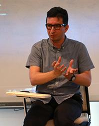 Yönetmen Metin Çavuş, Üsküdar Üniversitesi'nde öğrencilerle buluştu.