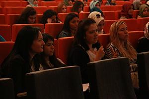 Psikoterapist olmanın püf noktaları Üsküdar Üniversitesi'nde konuşuldu. 3