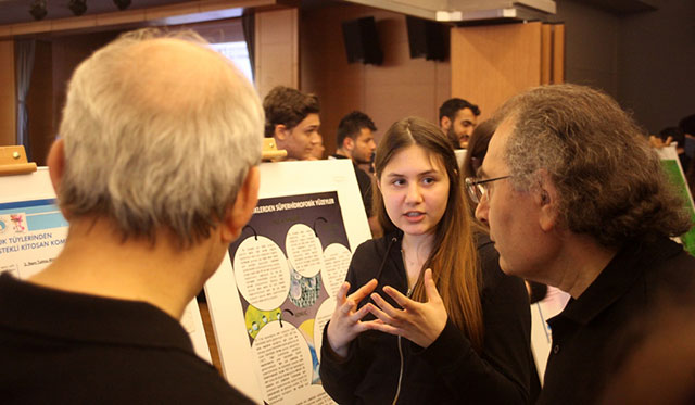 "High School Students Competed with ""their ideas"" at Üsküdar University 8"