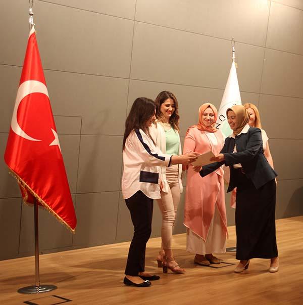 4. Dönem Aile Danışmanları sertifikalarını aldı