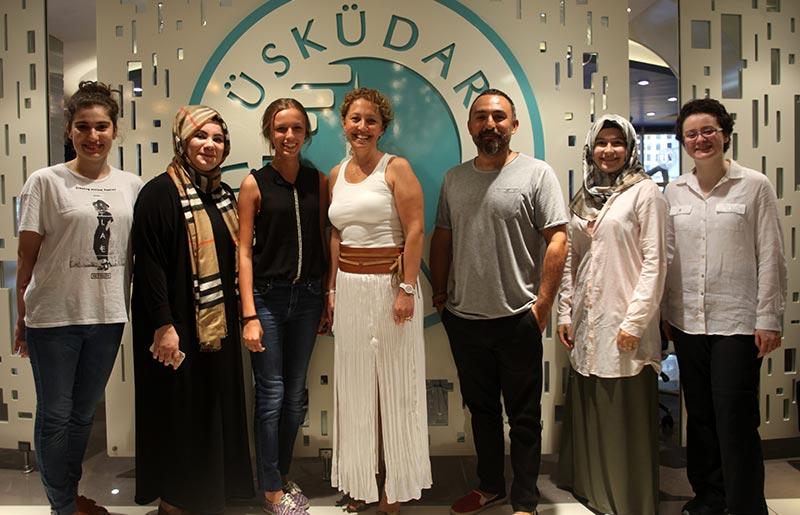Üsküdar Üniversitesi başarılı öğrencilerini İngiltere'ye gönderiyor
